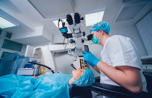 LASIK Surgeon in Oregon